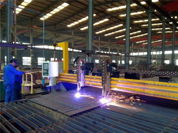 गैन्ट्री प्लेट सीएनसी प्लाज्मा 45 डिग्री काटने की मशीन beveling